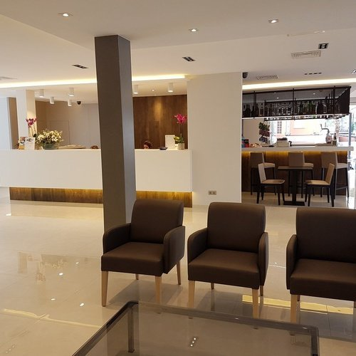 recepcion4 Hotel Perla
