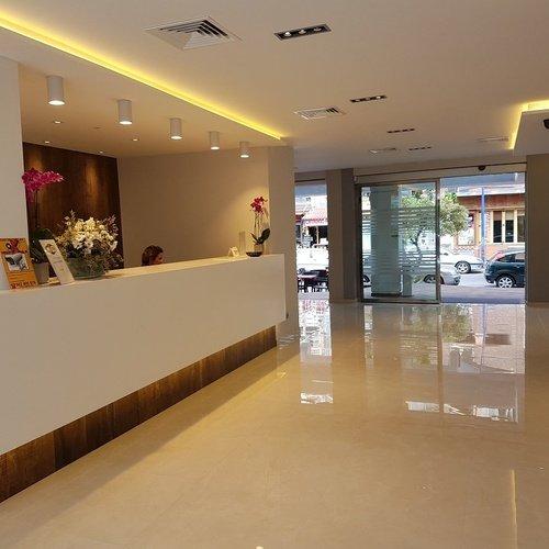 recepcion3 Hotel Perla